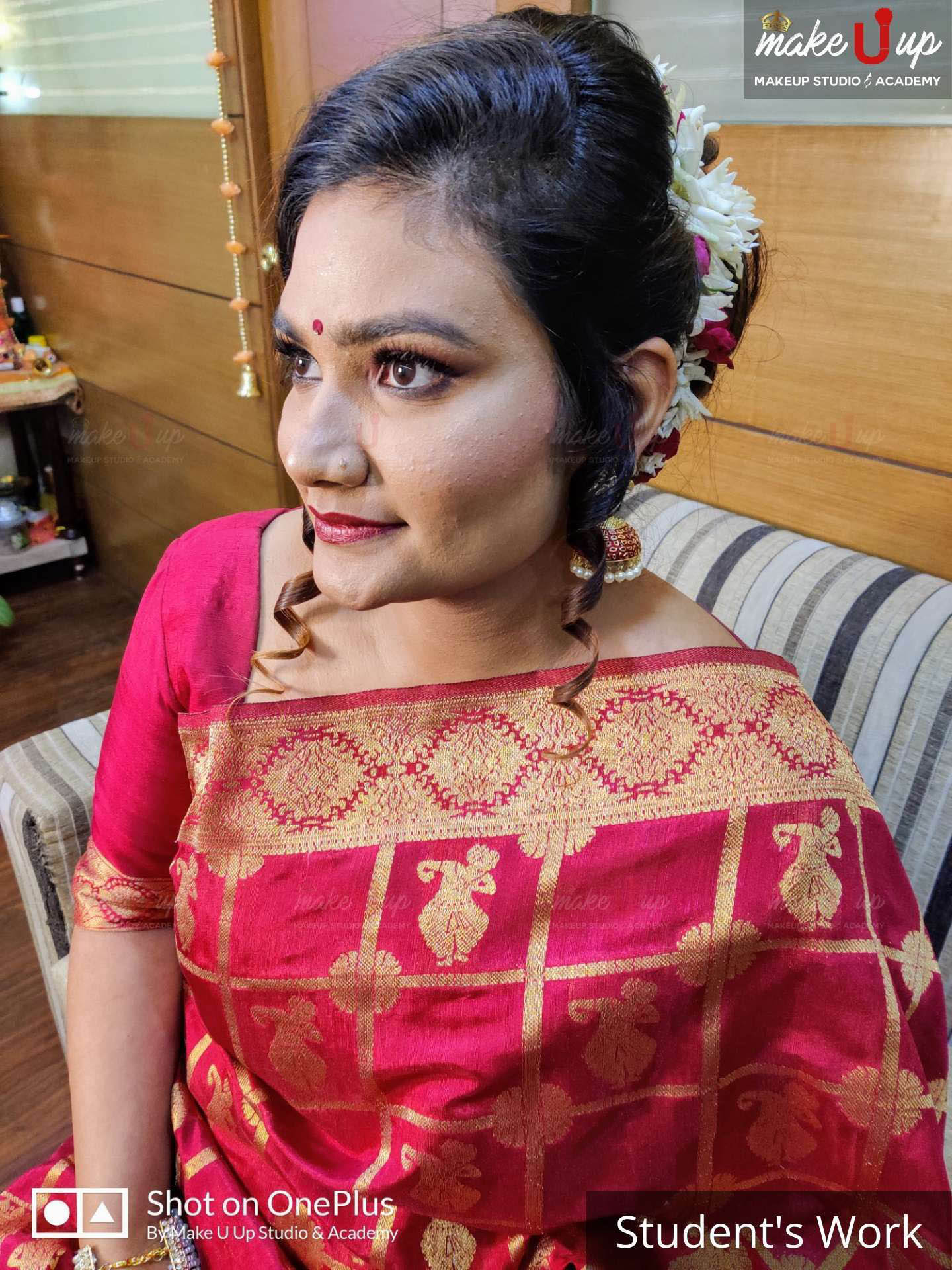 hairstyle for saree